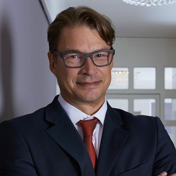Lucas Schellenberg Consultant Photo
