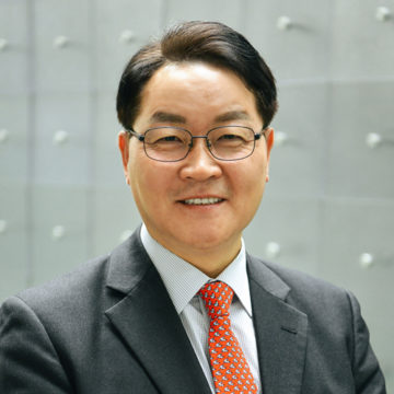 Tony Kang Photo