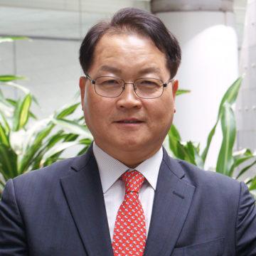Tony Kang Photo